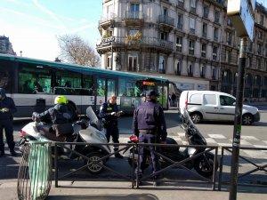 Verbalisation des conducteurs de 2RM ayant emprunté le couloir de bus cyclable, par les nouveaux ASP de la ville de Paris