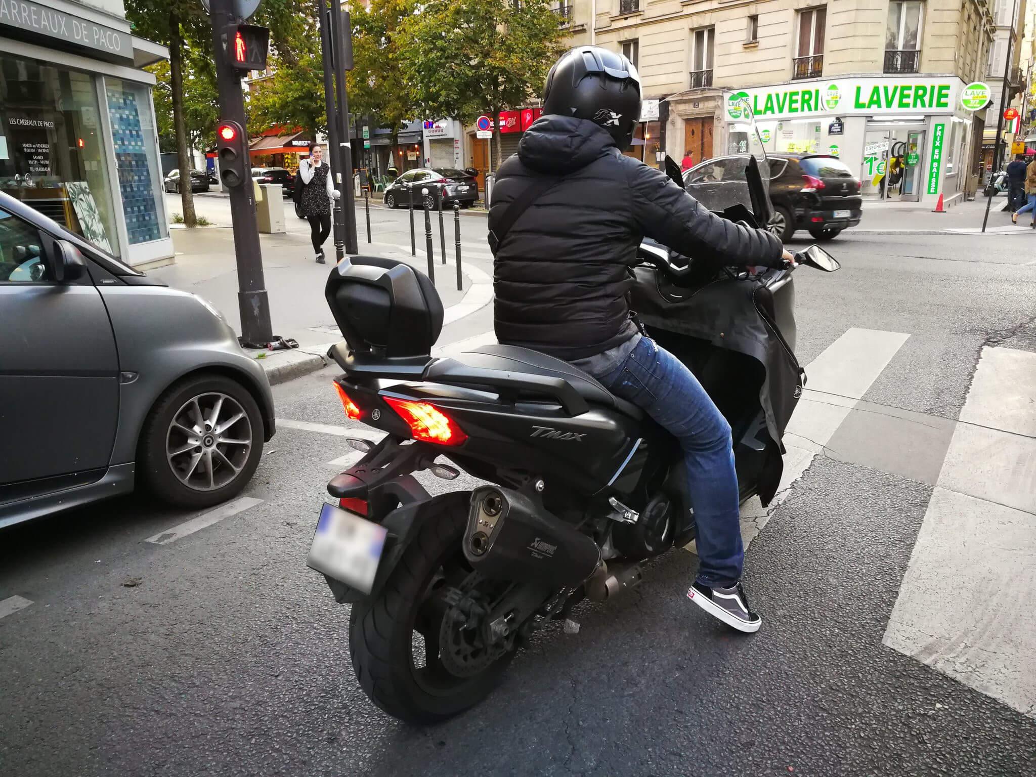 Des deux-roues motorisés bien plus polluants que les voitures à essence